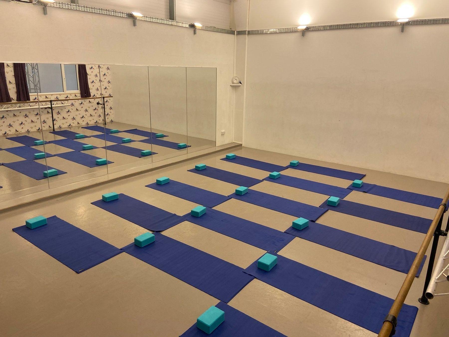 Dance/yoga/pilates & rehearsal studio