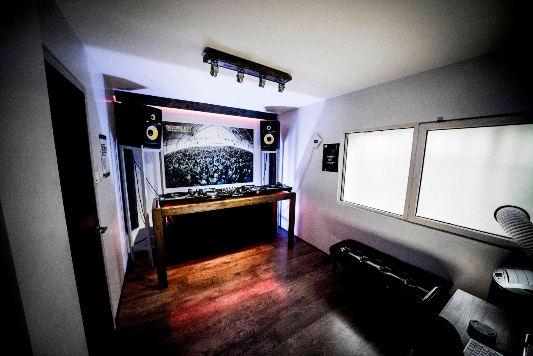 DJ Studio hire - practice, record or stream