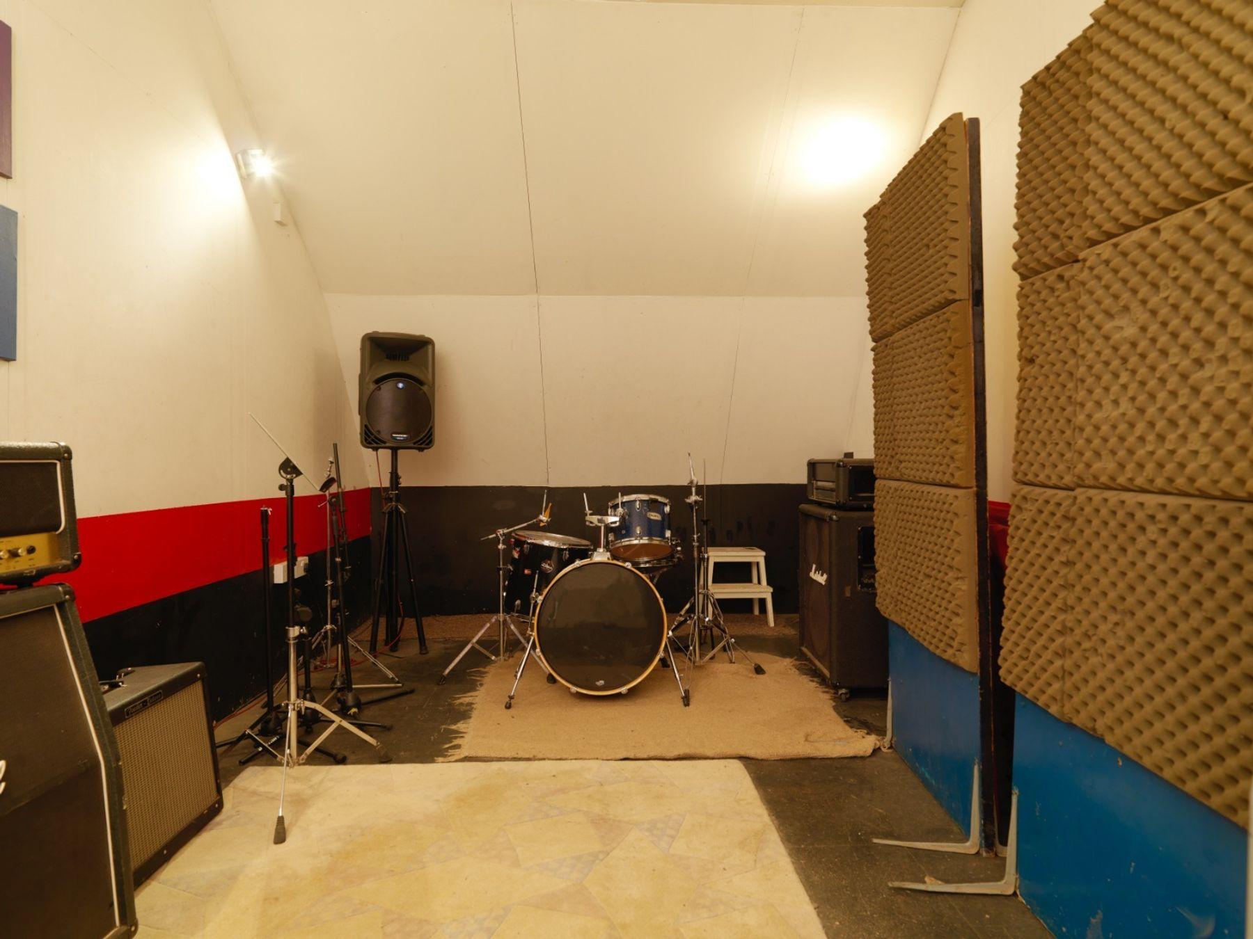 BonaFide Studio - rehearsal room (Muswell Hill)