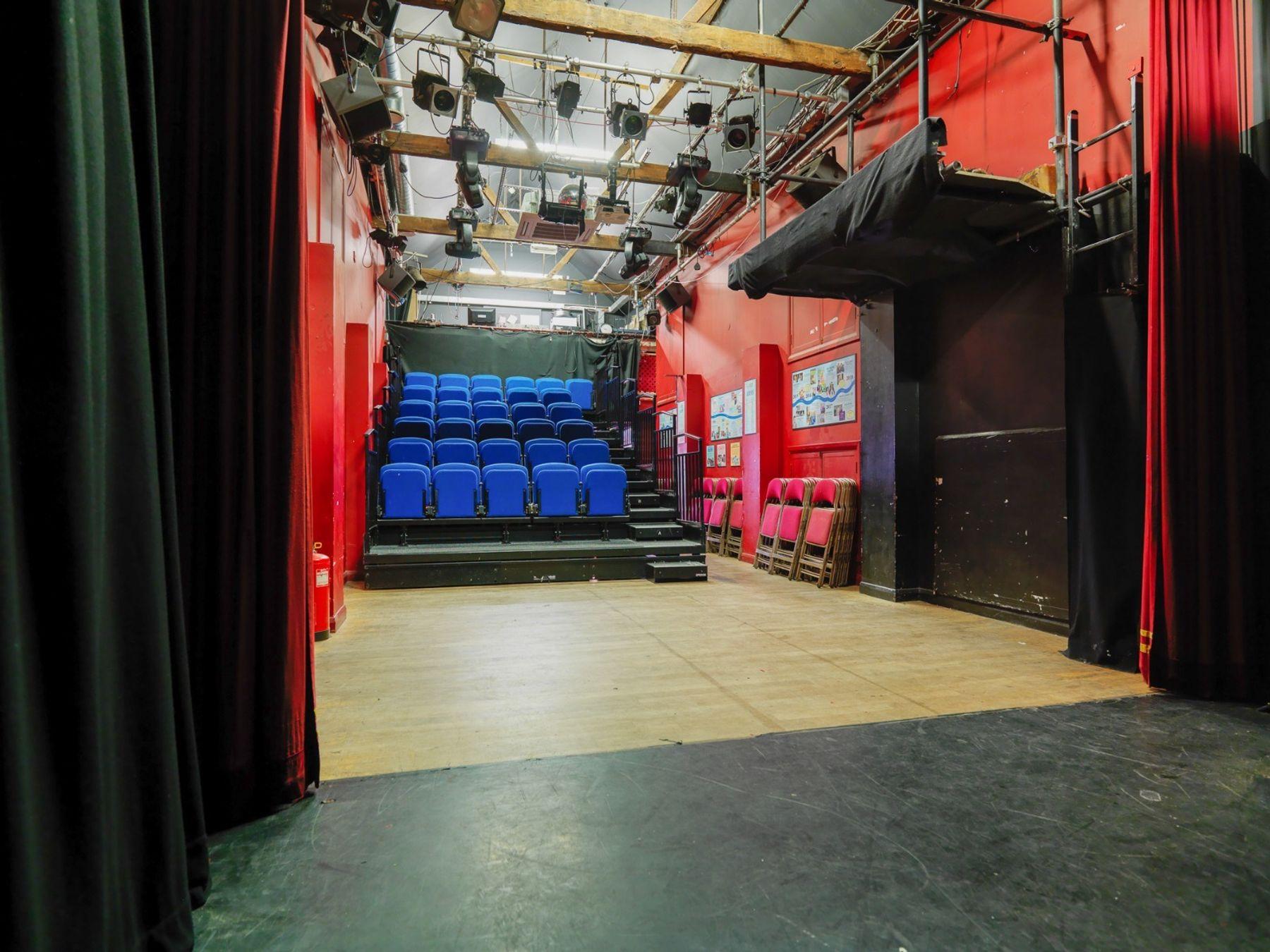 Theatre (9am-11pm)