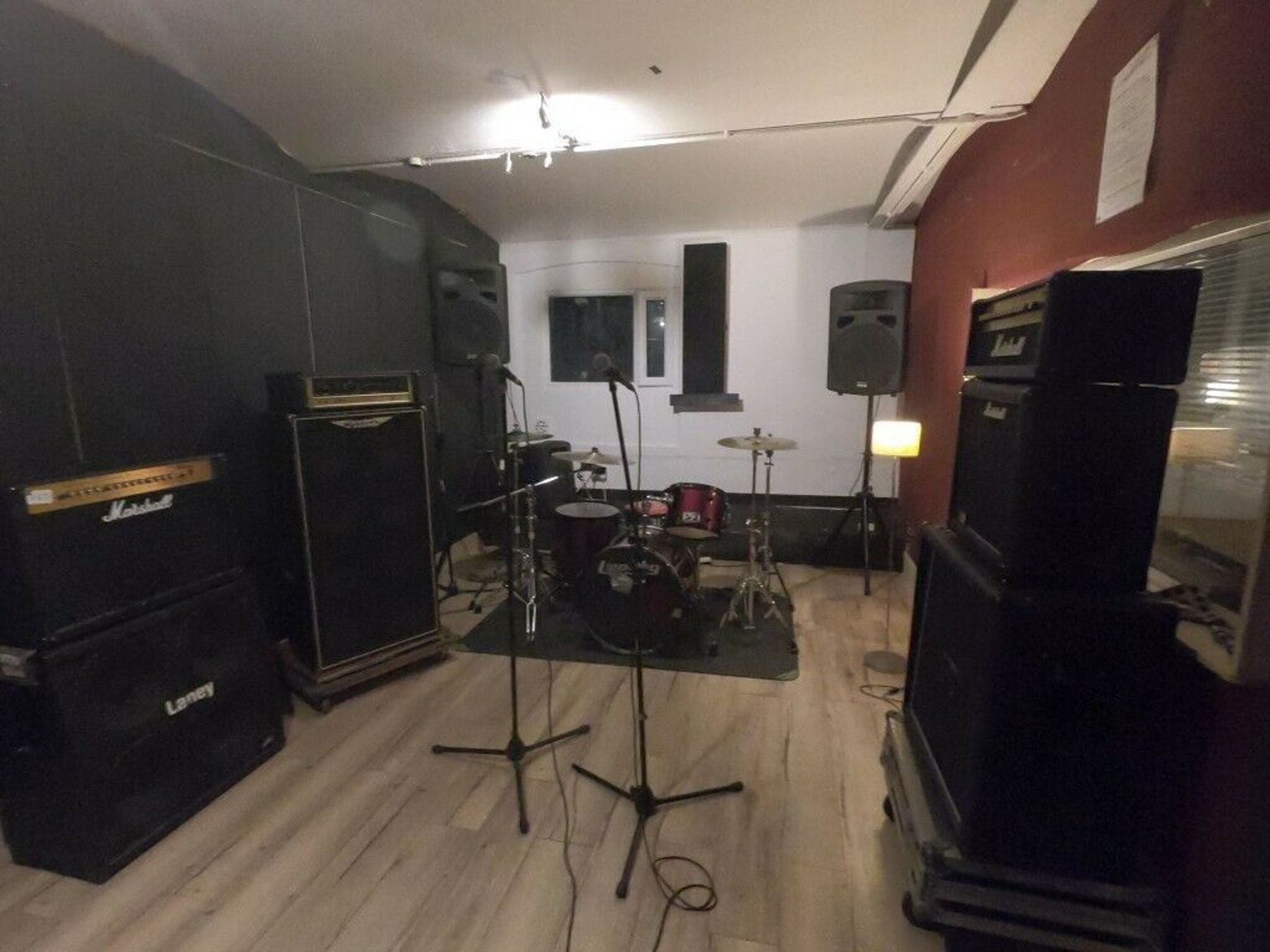 Large fully equipped rehearsal rooms for hire - London N17