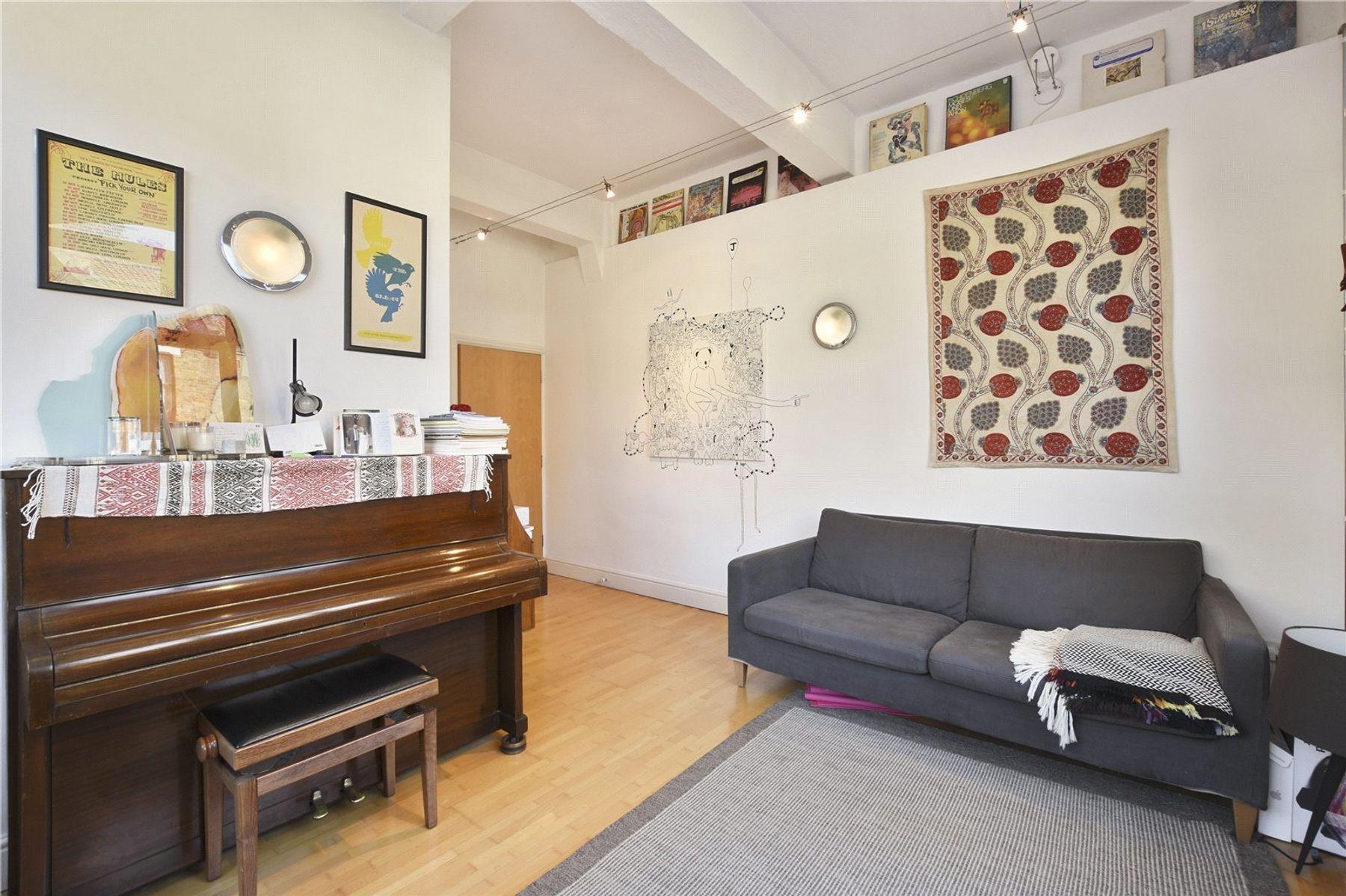 Broadwood upright piano in E1