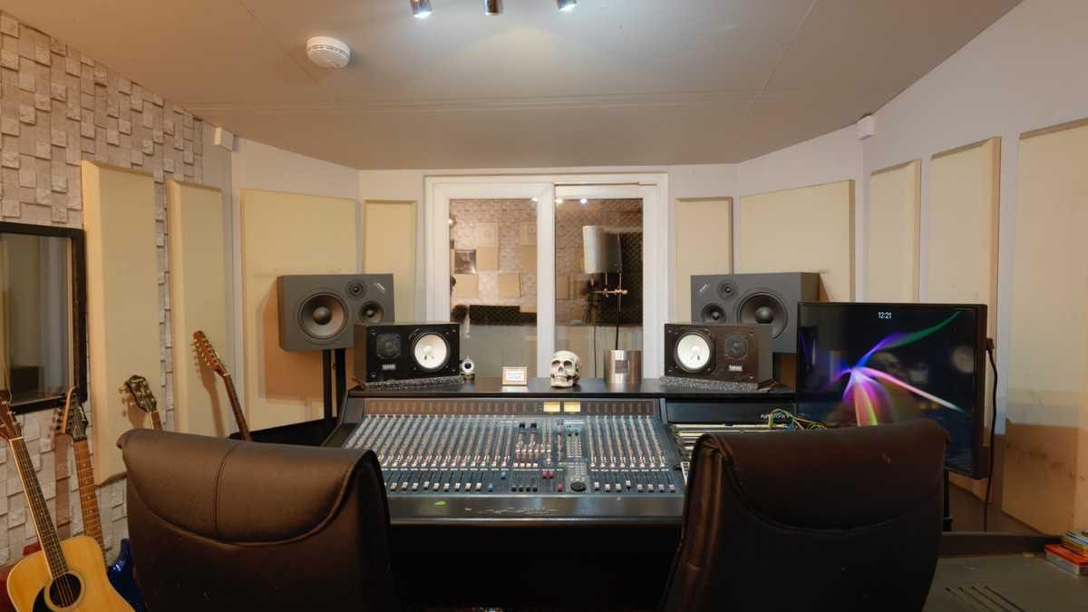 BonaFide Studio - recording studio dry hire (Muswell Hill)