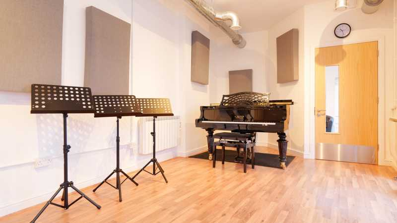 Light-filled studio with 2015 Geyer Grand