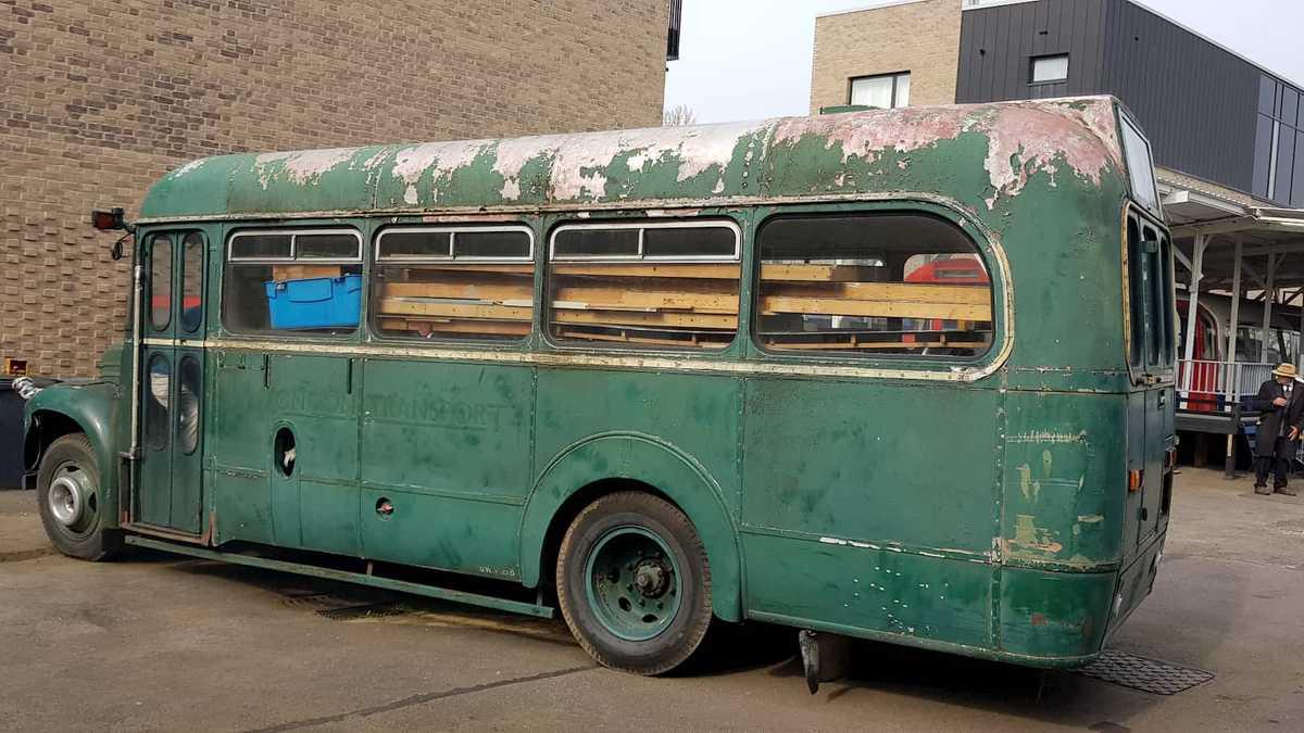 WPHM: 'Derelict' 1950's London Bus