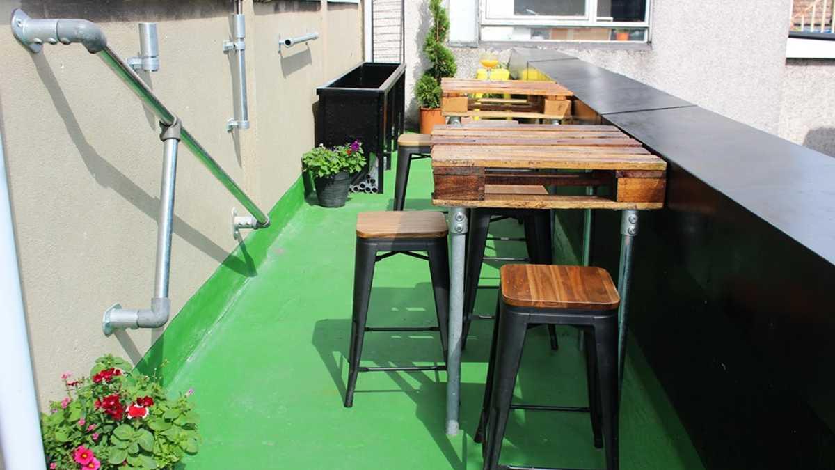 Green on Green Roof Garden