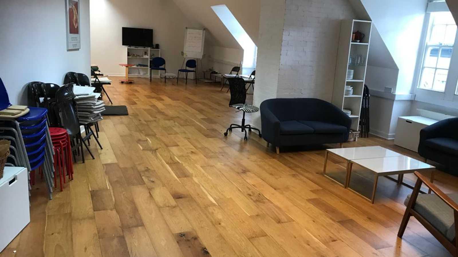 Studio 3.28