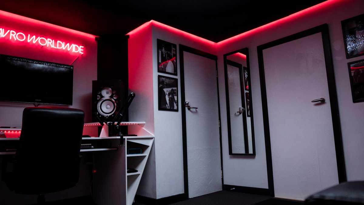 Recording Studio (Mavro Worldwide Studios)