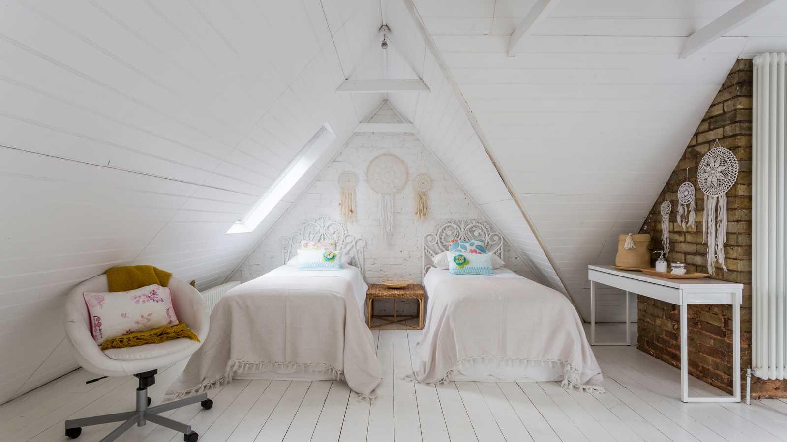 Twin dreamcatcher bedroom