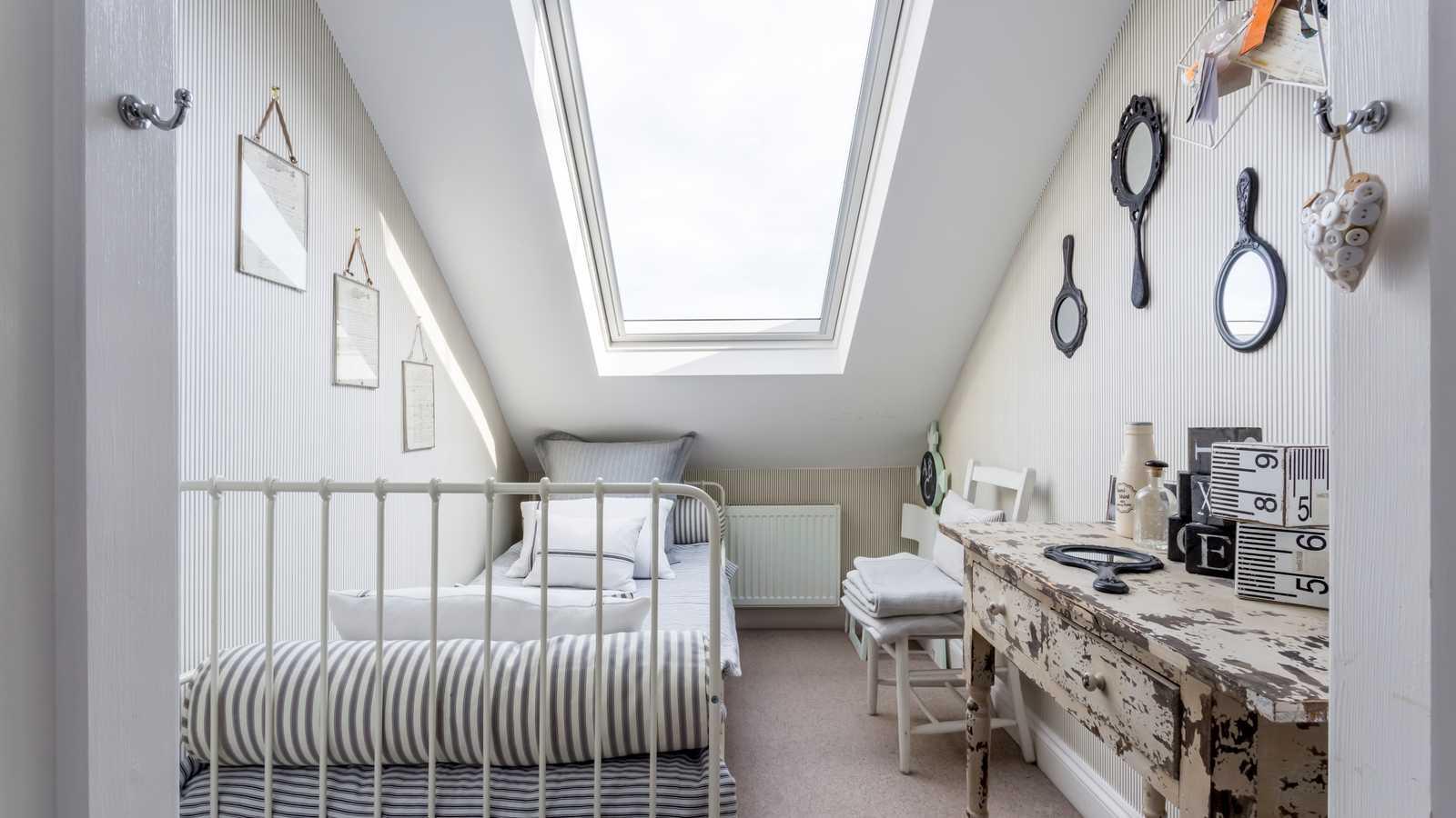 Micro bedroom