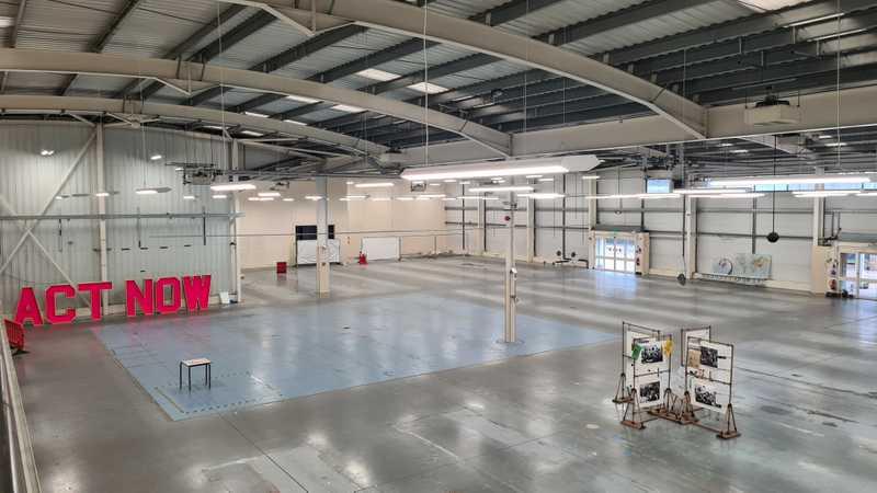 Big Space Warehouse