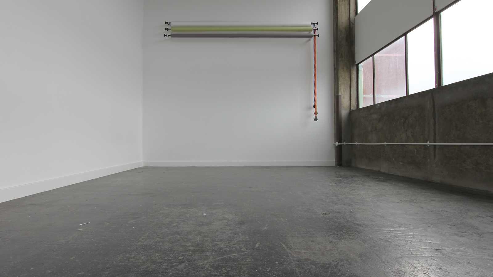 White and concrete creative studio