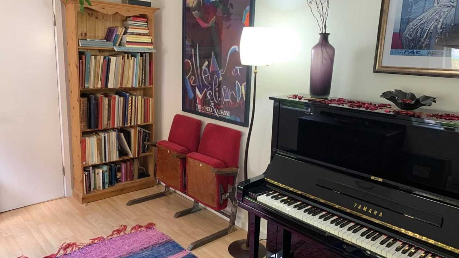 Yamaha Upright and Score Library in Colourful Garden Studio