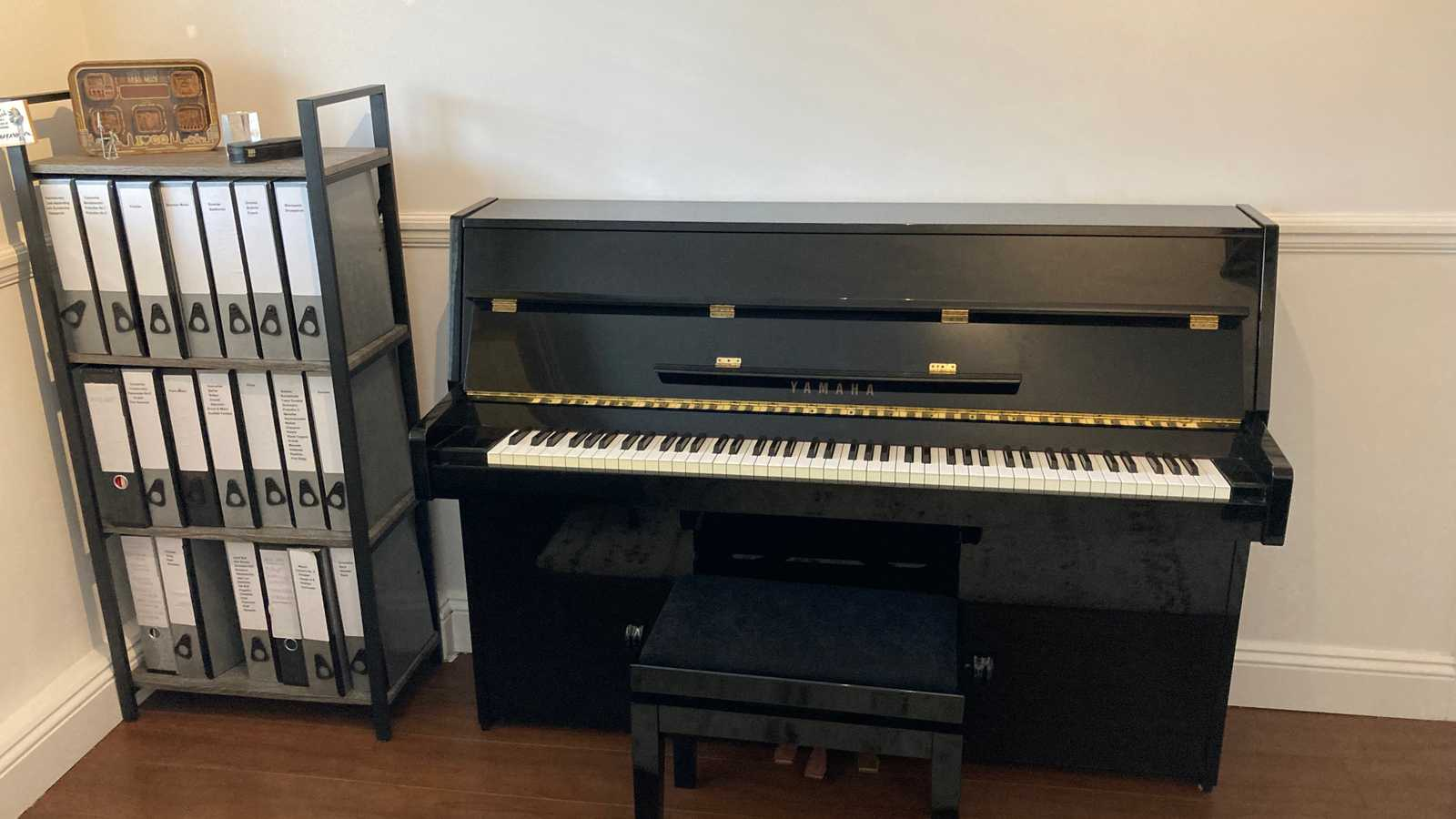 Private music room in flat, near Guildhall/Barbican